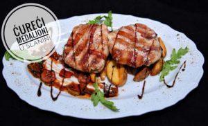 Cureci medaljoni u slanini, restoran Kasina, Gradiste